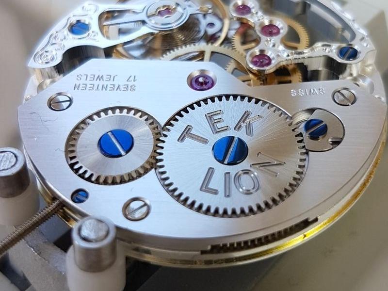 Ecole des arts horlogers Villeneuve au Canada